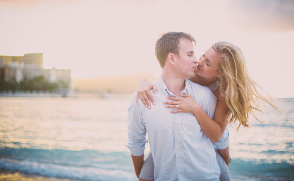 Waikiki Beach Proposal - Engagement Photography - Jenna Lee Pictures - Maggie + Vernon-73