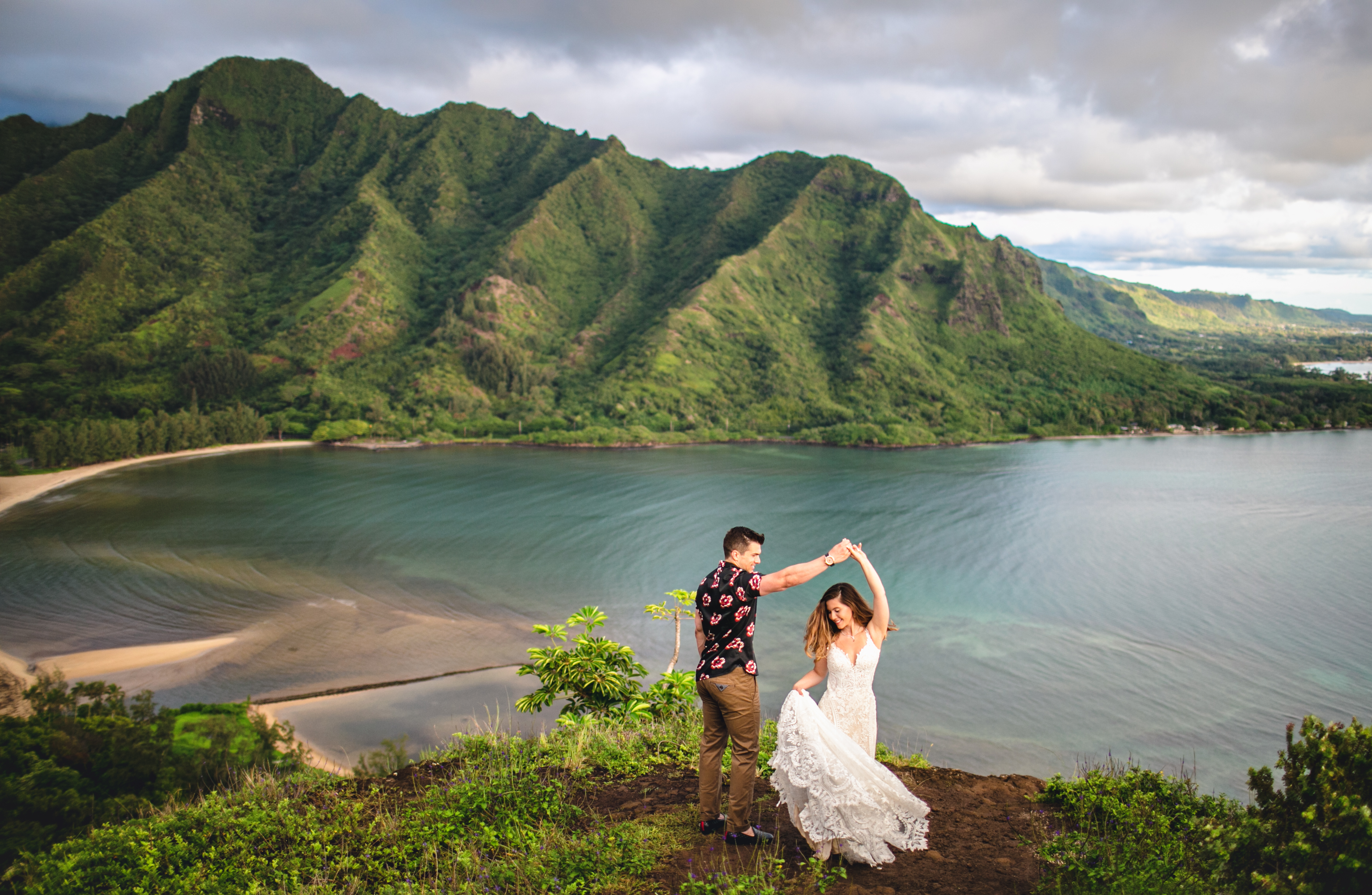 Crouching Lion Adventure Wedding Photos on Oahu