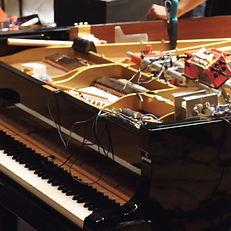 Lutherie robotique dans les entrailles d'un piano > 40 personnes max* > Bagatelle au R-1 pour les recalés