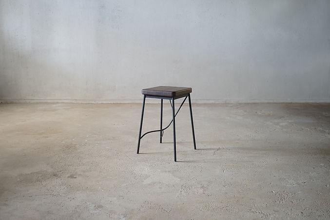 枝脚角椅子_1.jpg