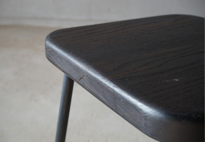 ブラックオーク角椅子3.jpg
