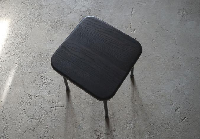 ブラックオーク角椅子2.jpg