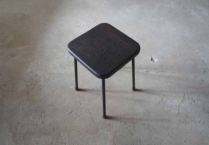 ブラックオーク角椅子1.jpg