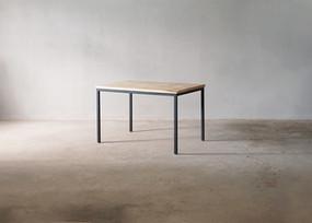 枯白 角脚テーブル トチの木