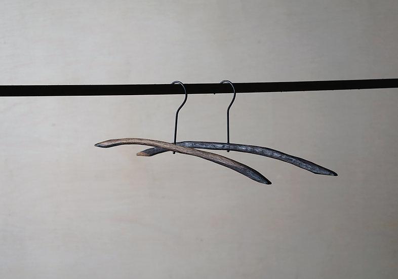 スティックハンガー ライト 手彫り ブラックオーク M