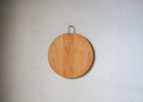 circlecuttingboard2.jpg