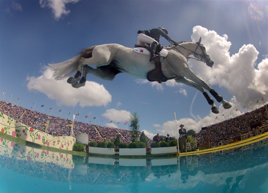 pb-120806-olympics-horse_photoblog900