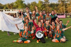 2017 mei9 D1 Resia-Oostrum 3-3 Kampioen  (23)