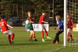 2017 mei9 D1 Resia-Oostrum 3-3 Kampioen  (14)