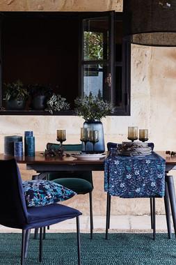 salle-a-manger-avec-fauteuils-velours_60