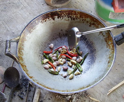 Dry roasting chilli and garlic