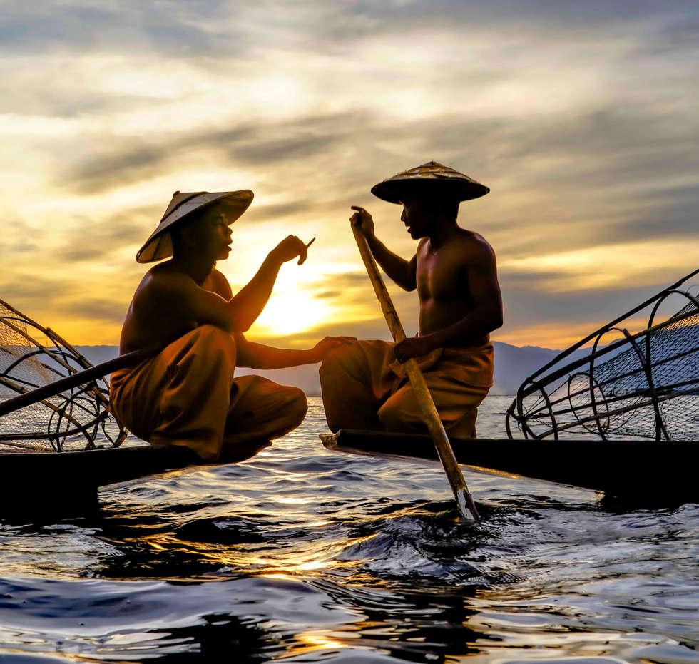 myanmar fishermen inle smokeLOW RES.jpg