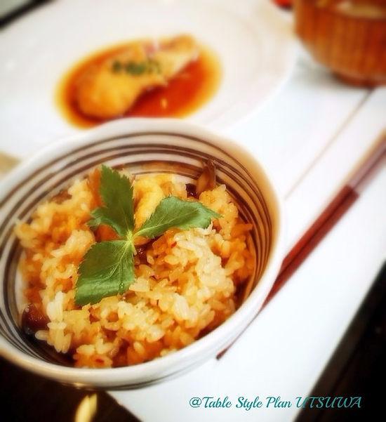 カレイの煮付け, きのこと生姜のおこわ, なめこのお味噌汁, テーブルウェア, テーブルコーディネート