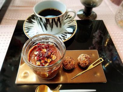 桜テーブルコーディネート, オーガニック, ヴィーガンチョコムース, ブリスボール