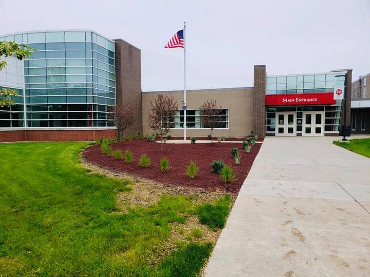 Commercial landscaping, lawn fertilization in Dearborn MI