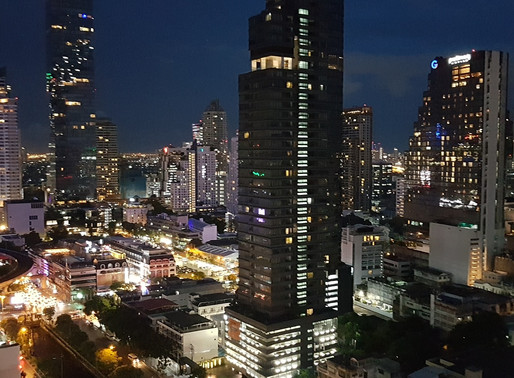 Bangkok: Best Value Hotel with Roof-Top Infinity Pool and Club Lounge Access
