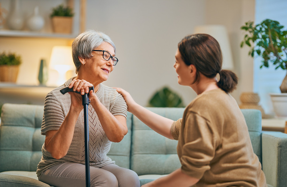 Benefits of Live-in Care and Hourly Care