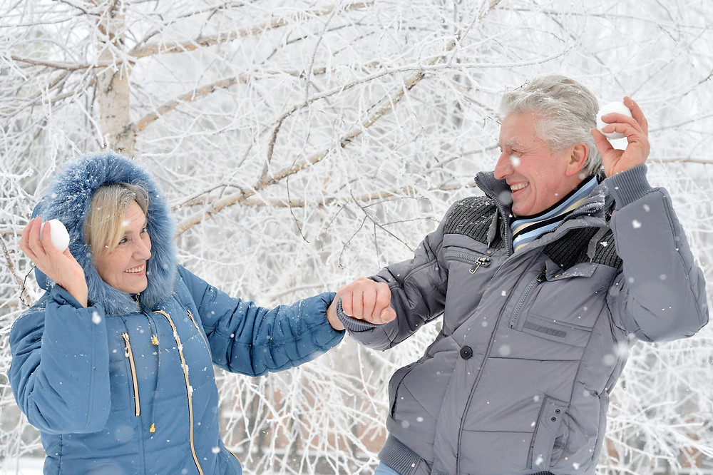How to keep the elderly warm in winter