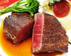 メイン〜アップル牛のステーキ