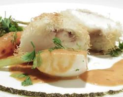 真鯛のカダイフ包み焼き 渡り蟹のナンチュアソース