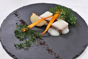 信州白馬豚ローストを雪に見立てたチーズソースで.jpg