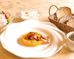 朝食のオムレツ
