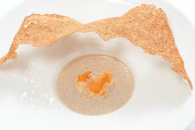根菜のスープにガレットの帽子を被せて.jpg