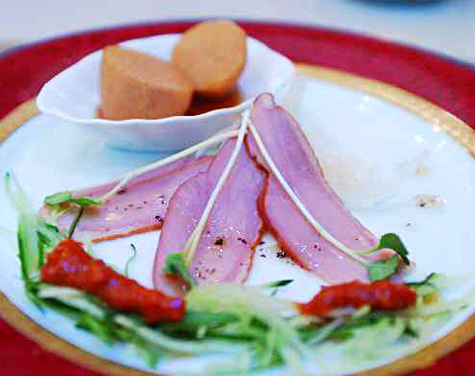 鴨のスモーク ケチャップと味噌のソース