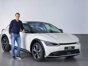 Rafa Nadal descubre el Nuevo Kia EV6 Eléctrico: ¡quiero uno!