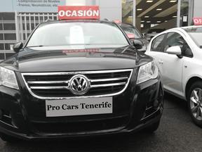 Volkswagen Tiguan: con 165000 KM, 1 año de garantía y traspaso 11.990 Euros.