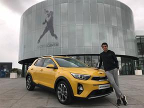 El tenista Jaume Munar recibe su nuevo Kia Stonic