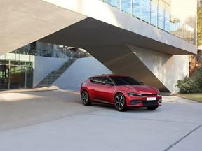Kia EV6 redefine las fronteras de la movilidad eléctrica con un diseño inspirador, un rendimiento ex