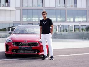 Kia y su Gran Turismo Stinger ponen a prueba las emociones de Rafa Nadal fuera de la pista