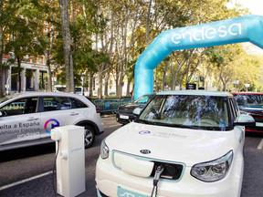 El Coche eléctrico de la Vuelta a España recorre 1.000 KM en 16 provincias por 10 Euros de consumo