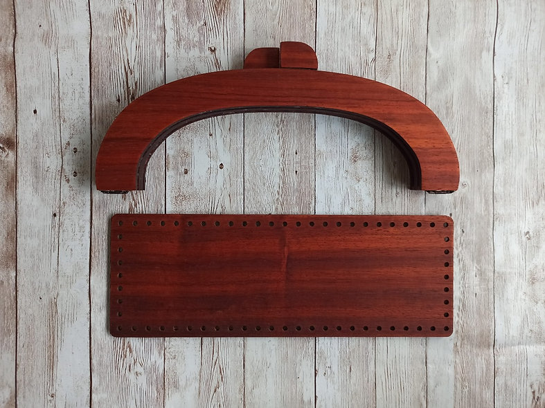 RED WOODEN HANDLES WITH BOTTOM