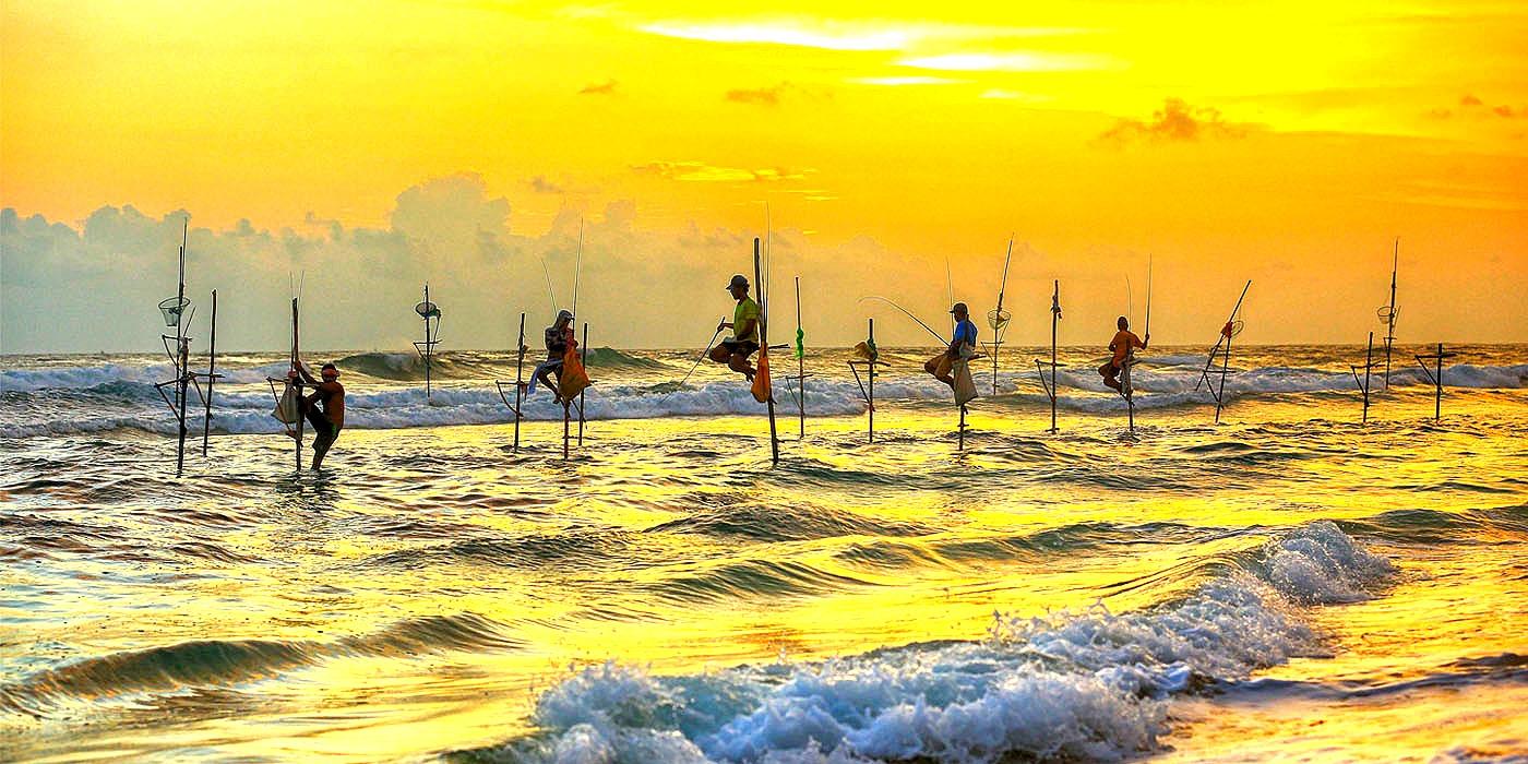 stilt-fishermen-koggala-sri-lanka-econom