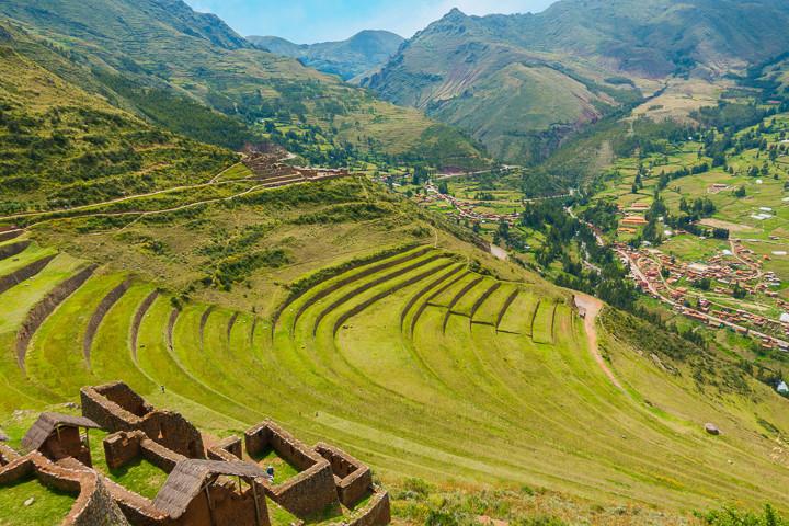 sacred-valley-day-trip-cusco-peru-pisaq-