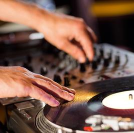 DJ, Musicians, Fire show