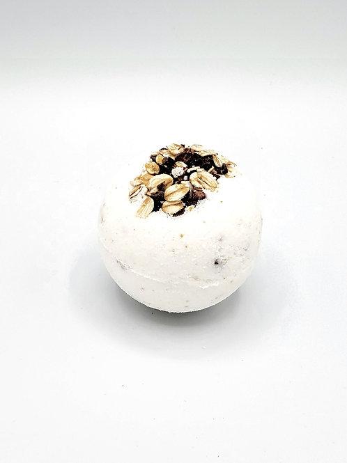 Oat Milk +Cookies Bath Bomb