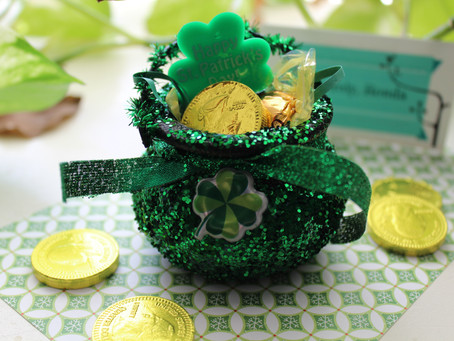 St. Patrick's Day DIY Pot O' Gold Party Favors!!