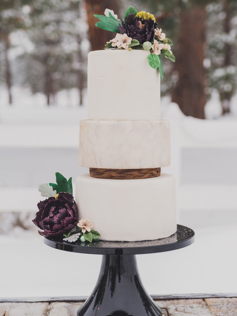wedding-cake-winter-white-3-tiered-dream