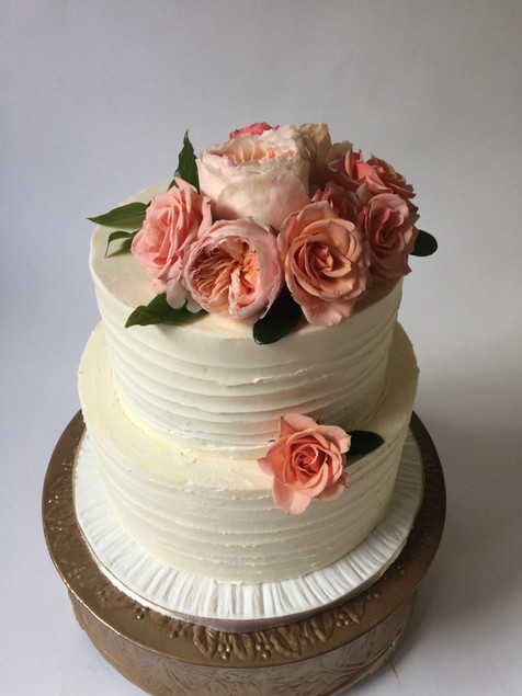 wedding-cake-pink-flowers-dreamin-desser