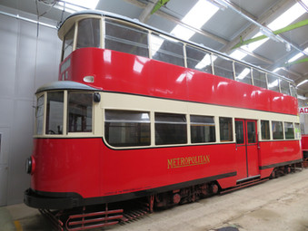 London Exemplars :  LCC 1 and MET 331