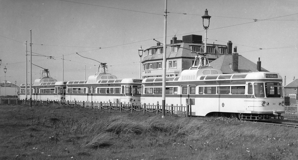 coronation starr gate 1960.jpg