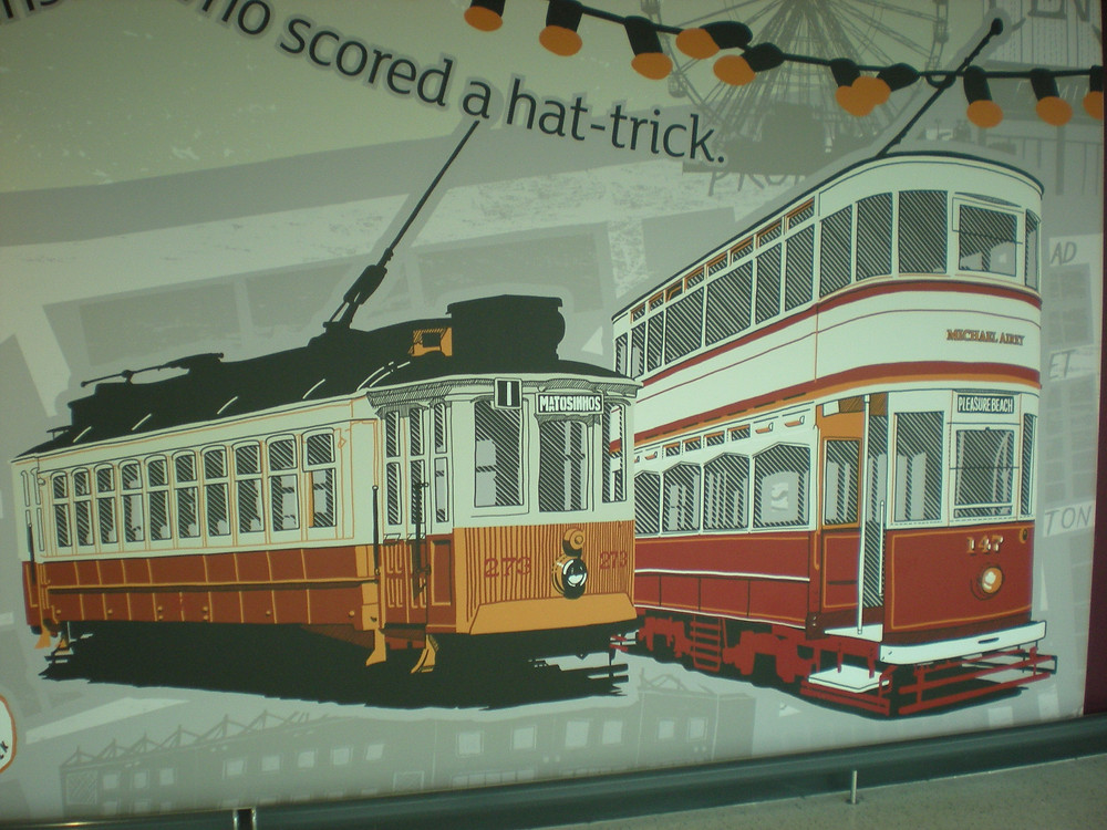 Trams at Sainsbury's Blackpool - Blackpool trams, tramsport & more.jpg