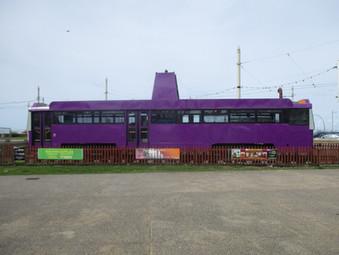 Purple Tram 641 / Yellow Tram 642