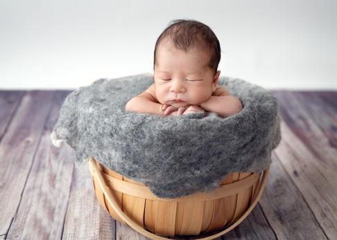 Newborn maternity family photo session Hawaii Oahu