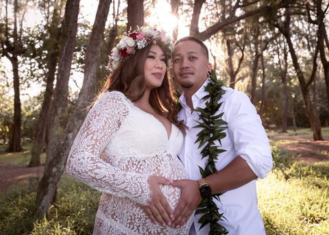 Maternity photo session outdoor hawaii