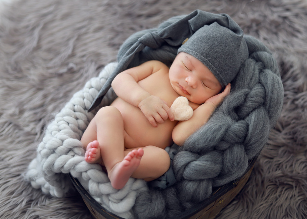 Oahu hawaii newborn maternity mom to be cake smash family photo portraits