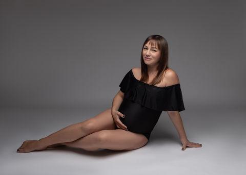 Maternity studio photo session Hawaii oahu